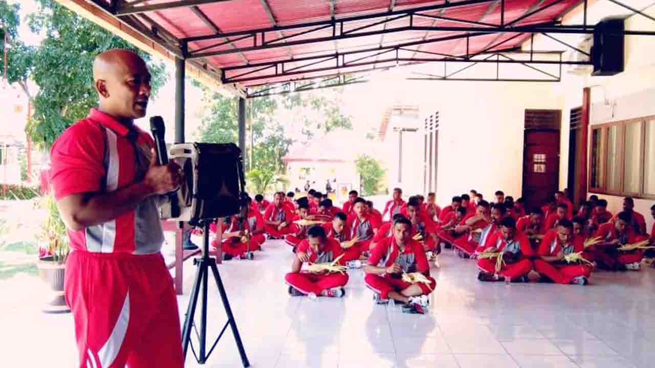Dansat Brimob Polda Gorontalo Minta Anggotanya Lestarikan Permainan Tradisional Beritaline Id